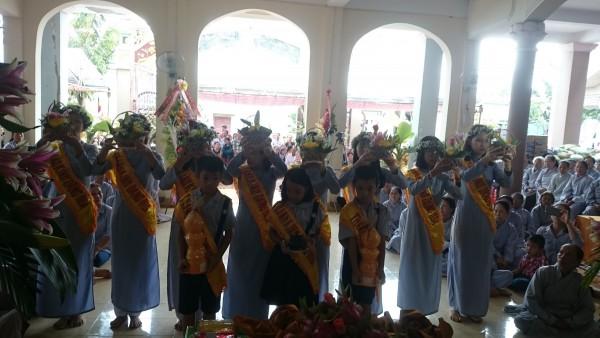 GĐPT KHÁNH QUANG A tổ chức Lễ báo tứ trọng ân và cài hoa hồng