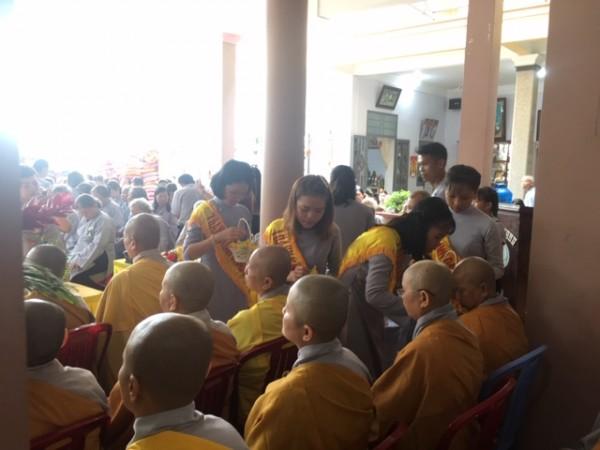 GĐPT Khánh Quang A tổ chức lễ bông hồng cài áo