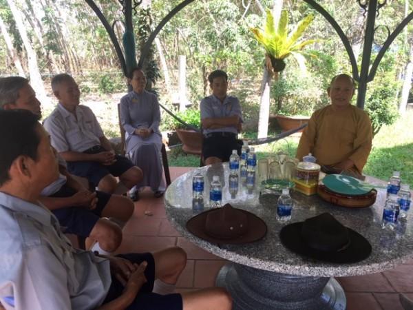 BHD.BRVT thăm viếng Chư Tôn Đức nhân mùa Phật đản PL 2564