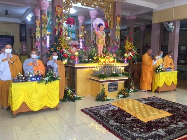 Lễ Phật đản tại chùa Phước Quang-GĐPT Khánh Quang